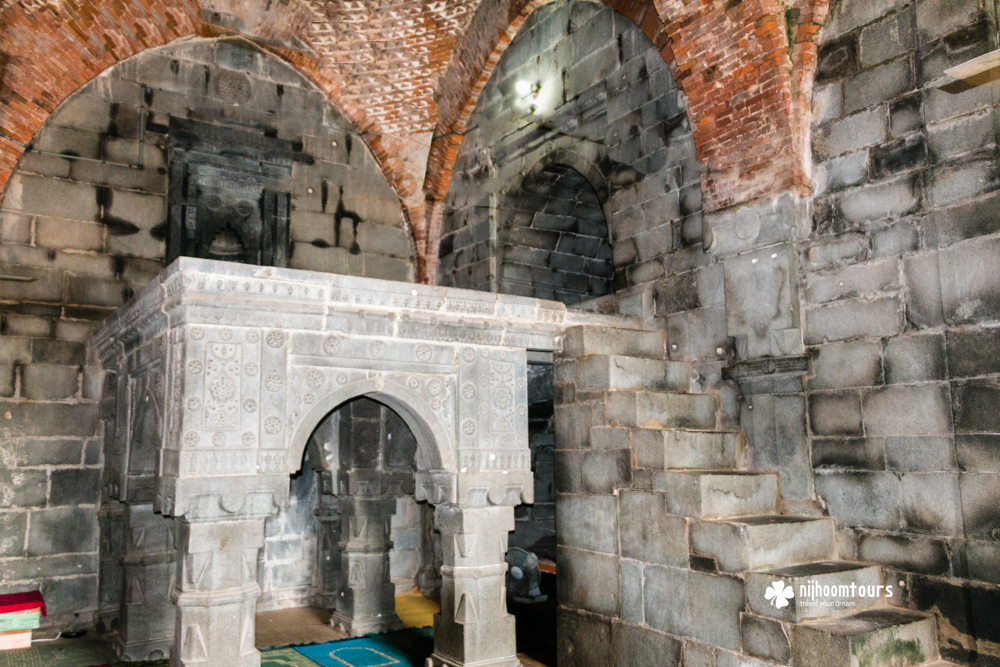 The raised gallery inside Kusumba Mosque, a beautiful medieval period Muslim architecture in Bangladesh.